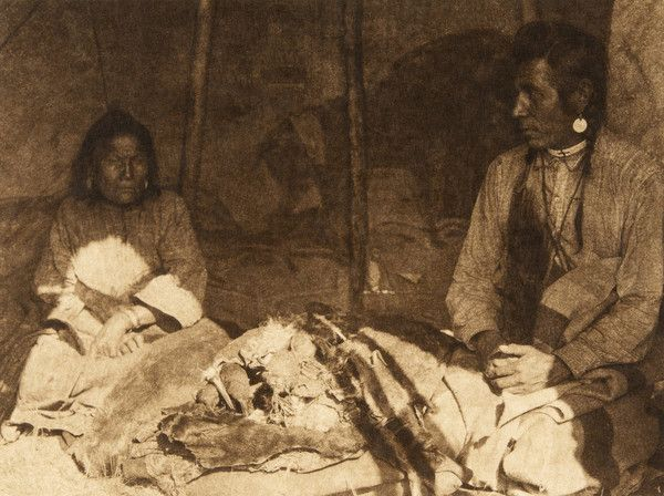 Niitsitapi people and beaver pelts